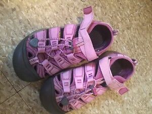 KIDS KEEN TRAIL SHOES AND BIRKENSTOCK BETULAS