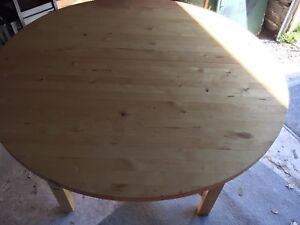 Round table for sale $75.00