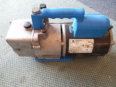 Robinair 15600 Cooltech Two-stage Vacuum Pump - Tested