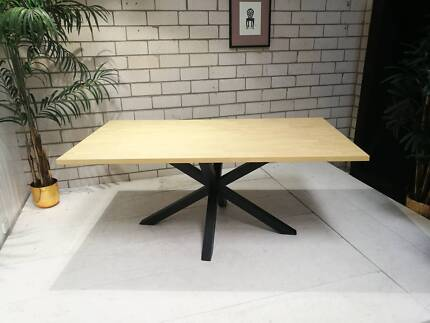 6-8 seater dining tables