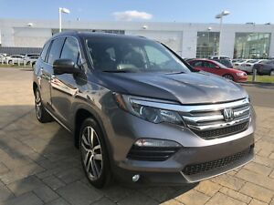 2016 HONDA PILOT TOURING TOP OF THE LINE WITH LOTS OF EXTRAS