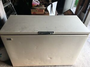 Older Kelvinator Chest Freezer $100obo