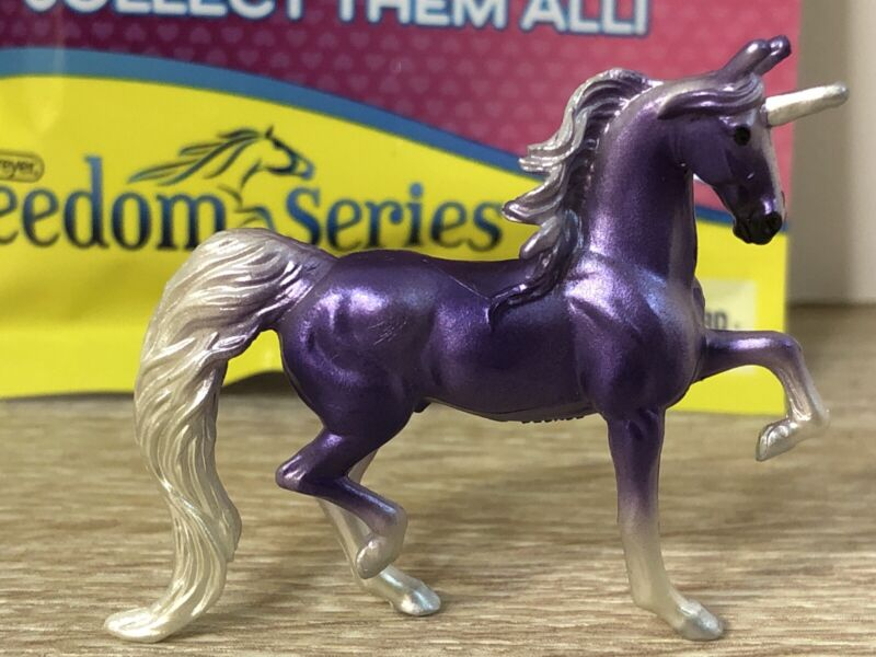 Breyer Mini Whinnies Unicorn Surprise dark purple Calliope Aleris New Opened Bag