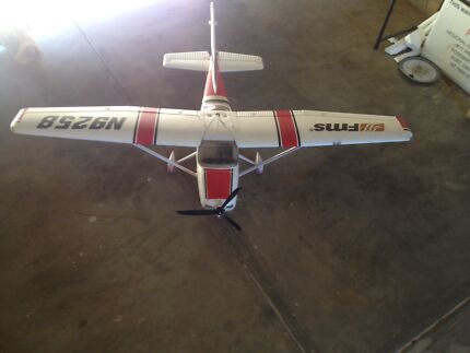 Big RC Cessna 182  1400mm wing span