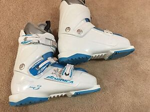 Nordica ski boots for girl 23.5 Oakville / Halton Region Toronto (GTA) image 2