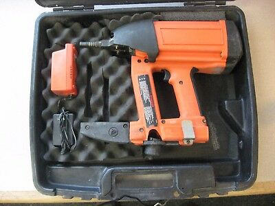 Ramset M150 Gas Concrete And Steel Nailer With Charger. Used As-is