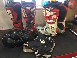 Gaerne size 11 sg 12 and sg 10 motocross boots