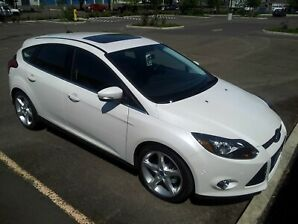 2013 Ford Focus Titanium, Low-KM's!