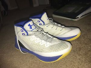 Stephen Curry Basketball shoes (Curry 3s) $50 obo size 5.5