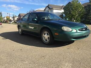 Ford Taurus (Lady owned)