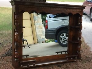 BEAUTIFUL SOLID WOOD DRESSER HUTCH!!