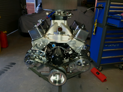 Small block chev engine 434, carby to sump ready to go