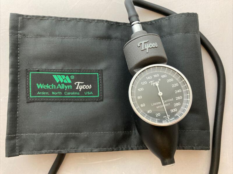 Tycos/Welch Allyn 5098-02 Blood Pressure Sphygmomanometer W/Adult Cuff Vintage