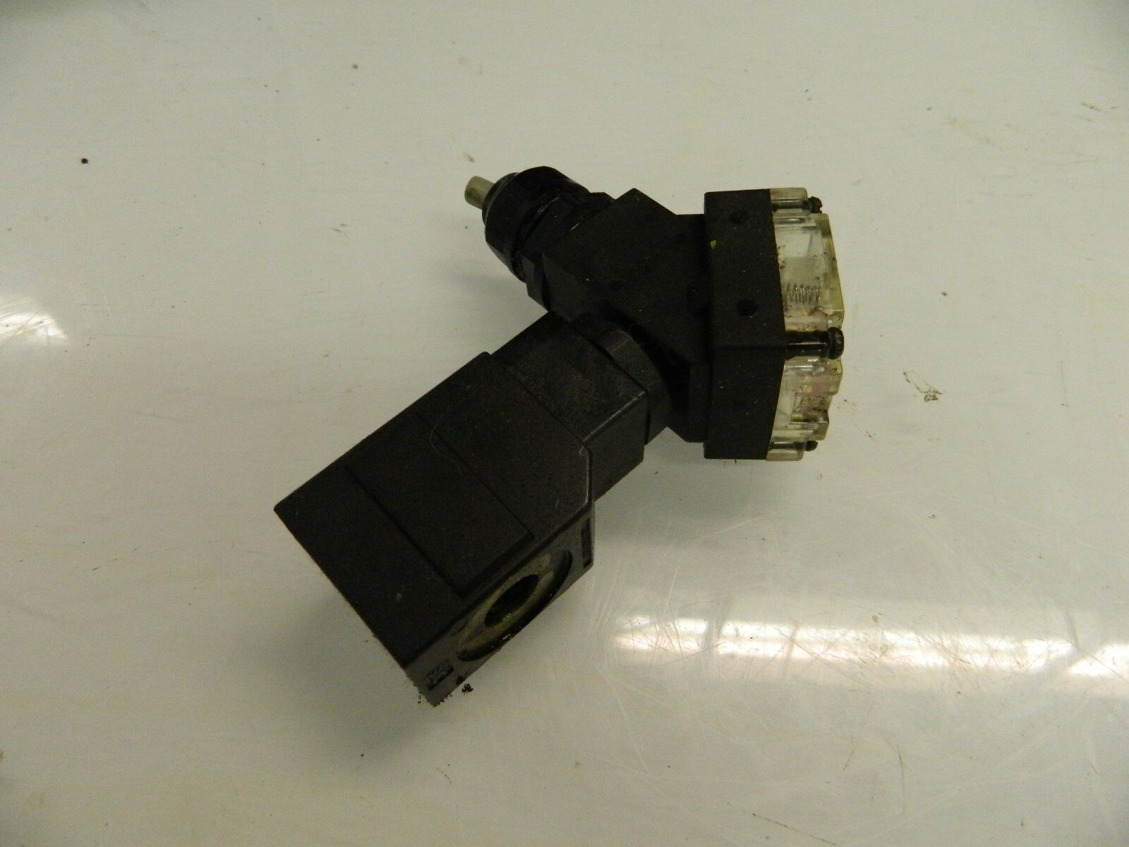 SMC 24 VDC Solenoid Coil w/ Connector Unit, 021-001C, Used, Warranty