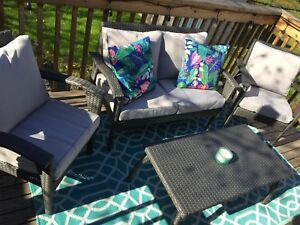 Stunning patio furniture set