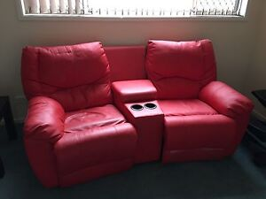 Leather recliner Bligh Park Hawkesbury Area Preview