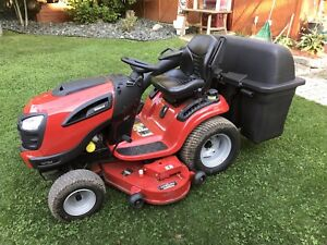 Lawn Tractor- Jonsered GT52 2016