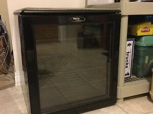 Danby 1.8 cu FT wine fridge