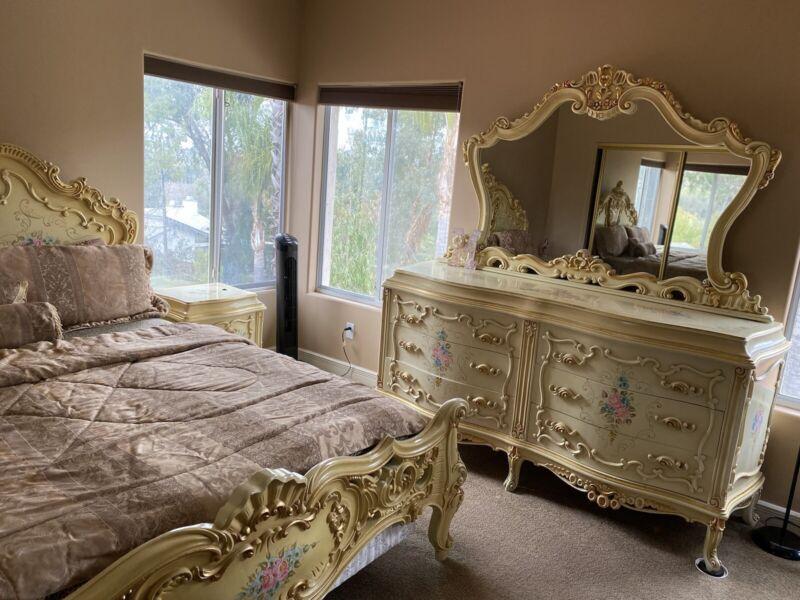 Italian Style Cal King Bedroom Set