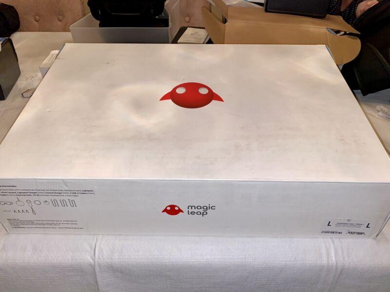 Magic Leap One Creators Edition - AR Headset Developer Kit Size 2 WORKS GREAT!