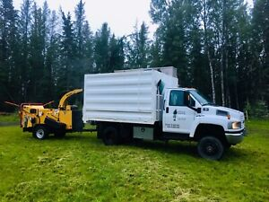 Wood Chipper & Arborist Truck