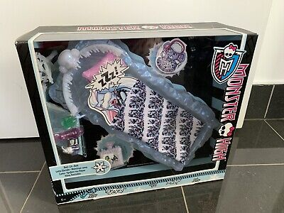 RARE BNIB 2012 MONSTER HIGH DOLLS ABBEY BOMINABLE ICE BED