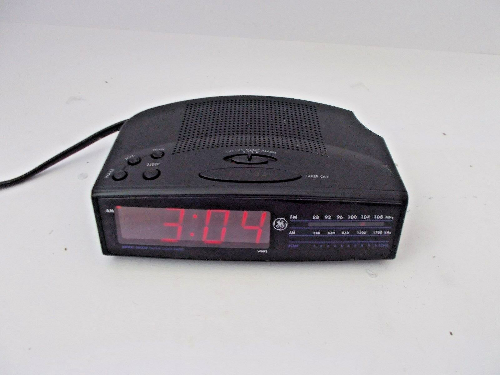 GE 7-4815A SPACE SAVER Digital AM/FM Radio Alarm Clock Radio-Snooze-9V Backup