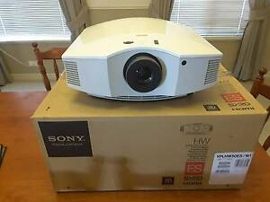 Sony 3D Full HD 1080P SXRD Projector & 4 x 3D Glasses *$5999 RRP* Halls Head Mandurah Area Preview