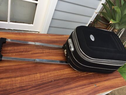 COOL MOD CARRY ON SUITCASE IN EXCELLENT CONDITION - $2