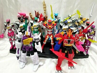 Power Rangers Dino Charge Red Ranger (Power Rangers Super Dino Charge Figure of Choice Red Gold Aqua Silver)