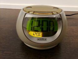 Philips AJ3260 2-Alarm Clock Radio Golden Pearl Egg