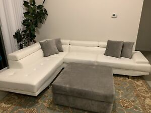 EXCELLENT CONDITION 1-Month old Leather-Look SECTIONAL COUCH