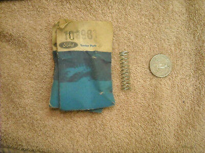 Ford, New Holland, case IH 108981 spring
