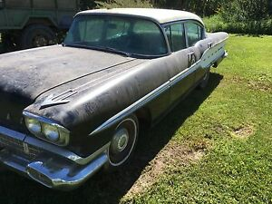 Barn Find 1958 Pontiac Stratochief