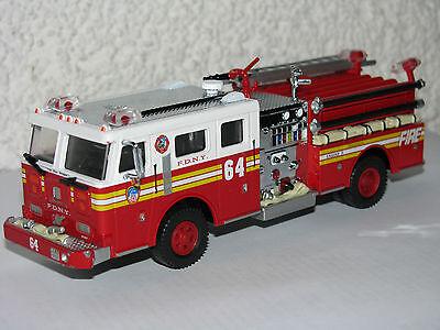Code 3 FDNY Engine 64 Feuerwehr New York F.D.N.Y online kaufen