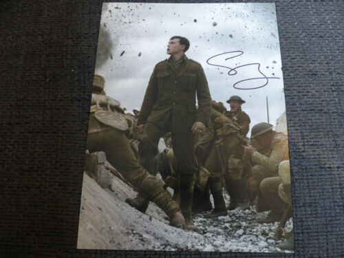 "GEORGE MACKAY signed Autogramm auf 20x27 cm ""1917"" Bild InPerson LOOK"