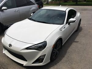 Scion FR-S 2015 430,99$/mois ou 22 800$ *Bluetooth*