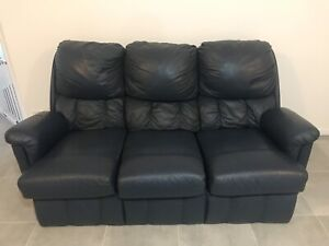 **FREE!** 3 Piece Leather Lounge Suite NEED IT GONE TODAY!
