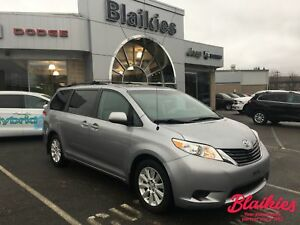 2013 Toyota Sienna LE | AWD | 7 PASSENGER | POWER DOORS |