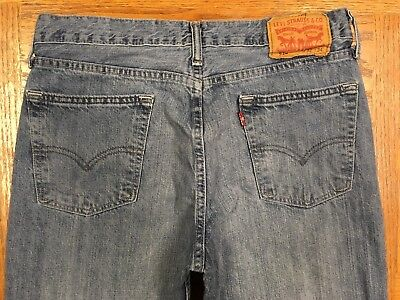 LEVIS 514 STRAIGHT MEN'S JEANS HAND MEASURED 32 x 35 Tag 32 x 34 BEST