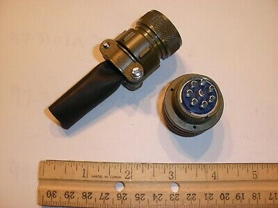 New - Ms3106a 18-8s Sr With Bushing - 8 Pin Female Plug
