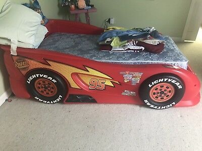 Twin Bed Lightning McQueen - red And Mattress - Lightning Mcqueen Twin Bed