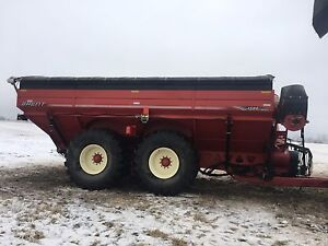 Brent 1594 grain cart
