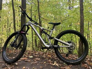 2019 Specialized Stumpjumper EVO