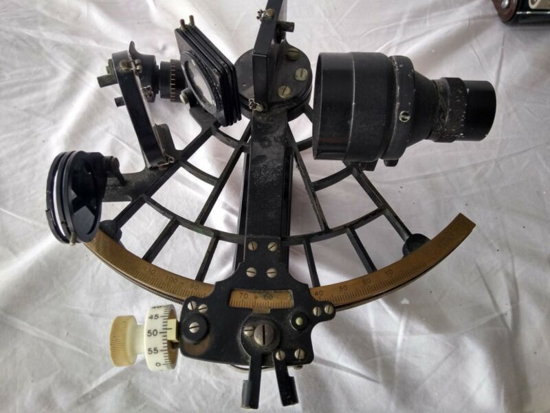 C Plath Sextant Hamburg Germany number 28826.  Without case.