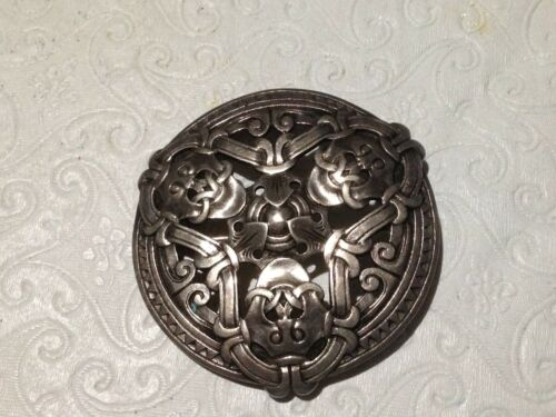 """Norway Large Pin Brooch 830S Silver """"Faces"""" Motif"""