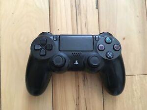 Mannette pour PS4