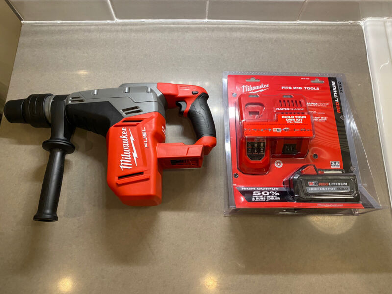"Milwaukee 2717-20 M18 FUEL 1-9/16"" SDS Max Rotary Hammer + Rapid Charger/ 8.0"