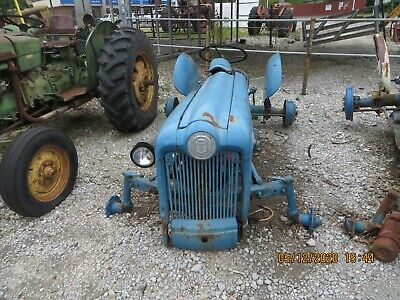 Ford Naa Jubilee 600800tractor Hoodgrille Assm