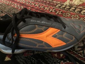 Diadora indoor soccer shoes size 5.5 youth